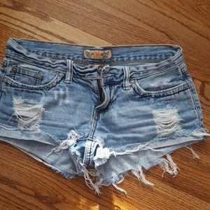 Destroyed demin shorts